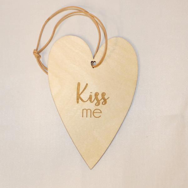 Kiss me træhjerte
