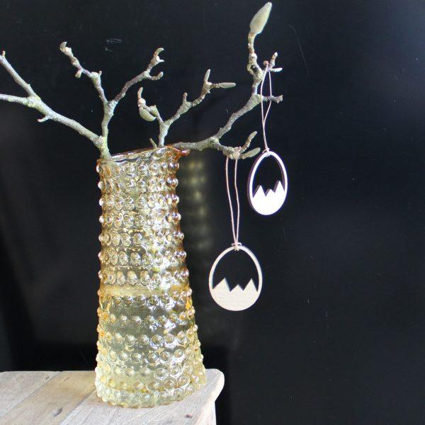 Knækket æg træ