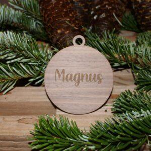 Julekugle med navn valnød