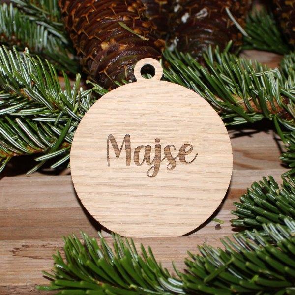 Julekugle i eg med navn
